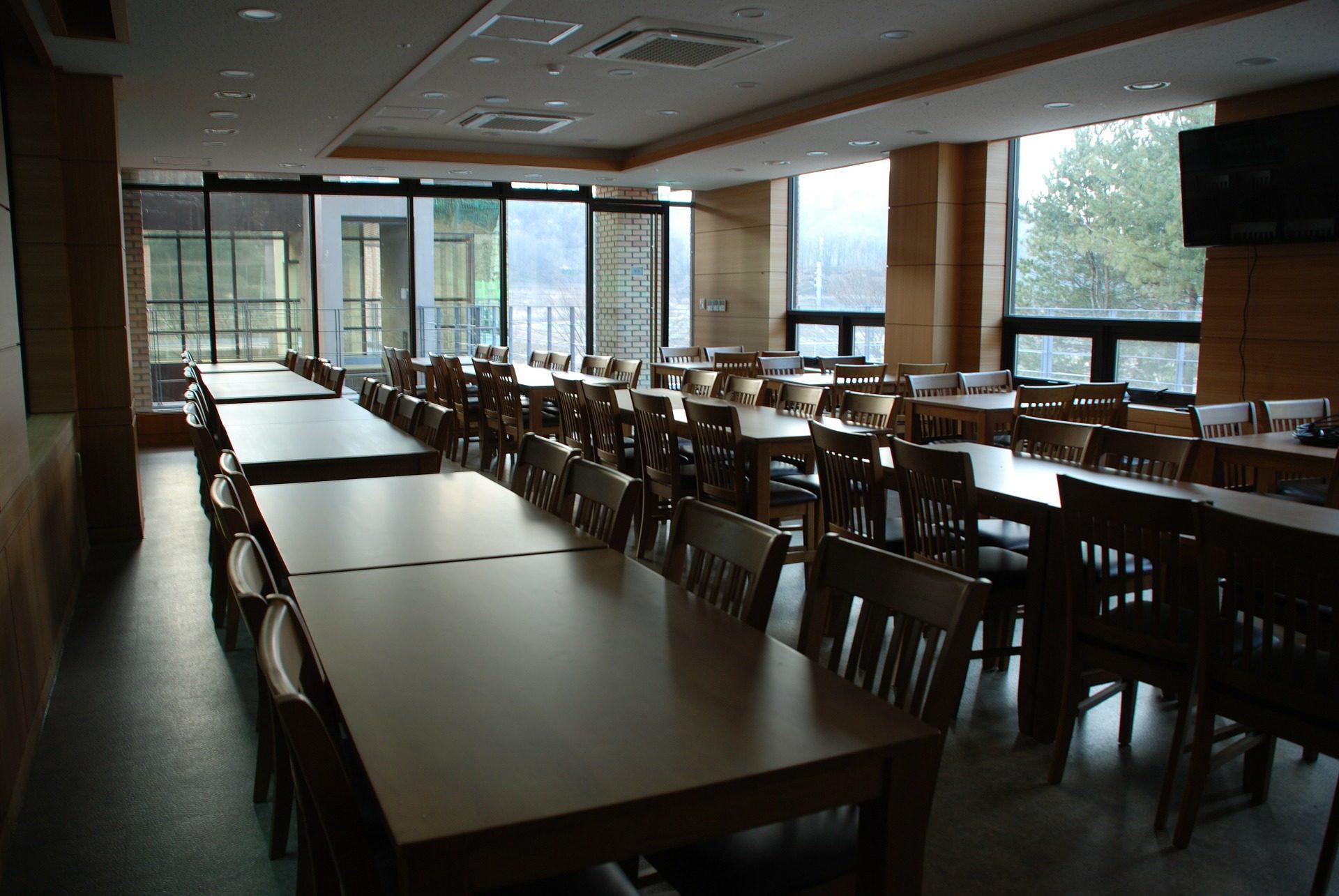 cafeteria-544871_1920.jpg
